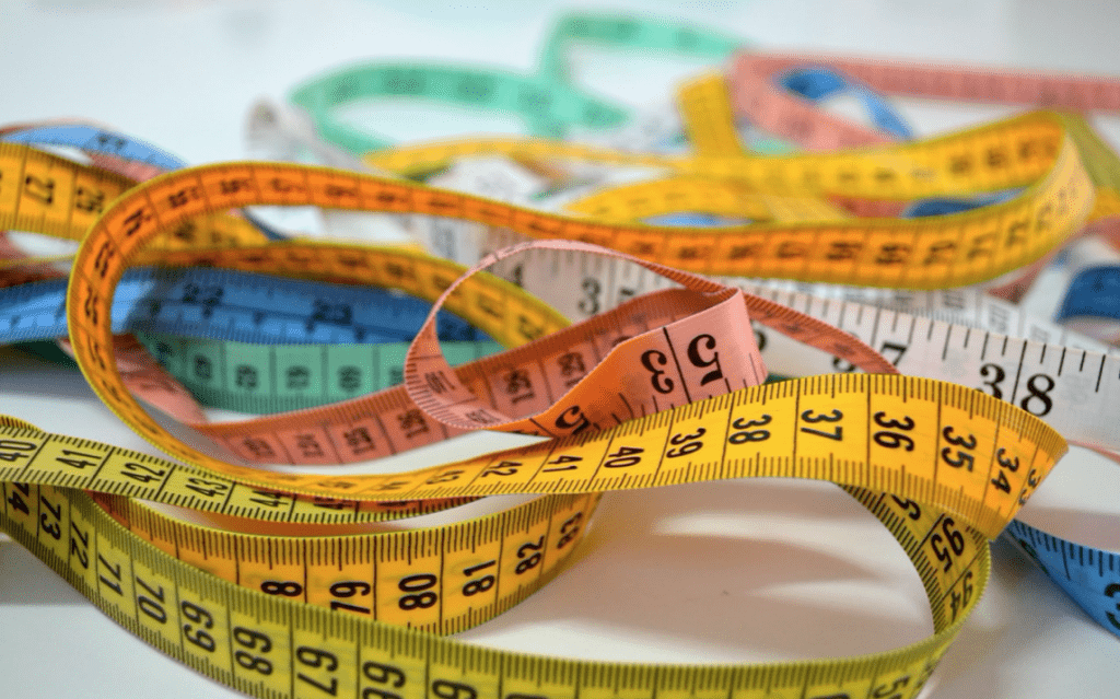 How to figure out your blog post length with yellow measuring tape.